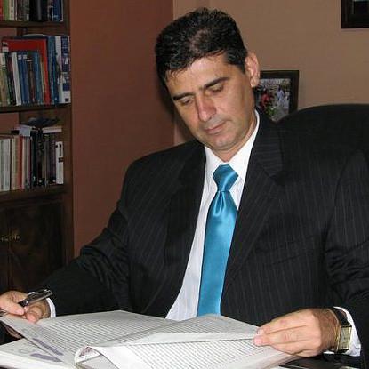 El Bufete Zavala &amp; Asociados,<br /> Pone a su servicio 26 años de experiencia en Litigio, Asesoría Legal y Notariado